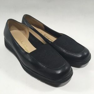 Salvatore Ferragamo Womens 5.5 Black Leather Flats